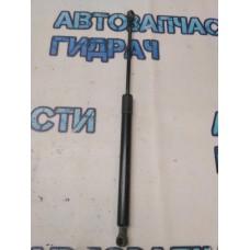 Амортизатор двери багажника Peugeot 308 9657342180 Отличное состояние