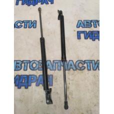 Амортизатор двери багажника шт MITSUBISHI ASX (2010) 5802A665 Отличное состояние.