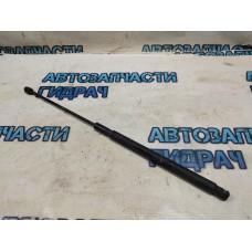 Амортизатор капота правый Mercedes Benz GLK 350 2049801064 Отличное состояние