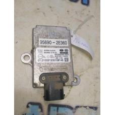 Датчик курсовой устойчивости Hyundai Tucson 2008 956902E360 Отличное состояние.