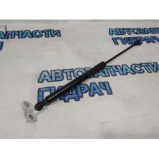 Амортизатор двери багажника  Renault Kaptur 904518867R Отличное состояние