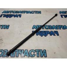 Амортизатор двери багажника Skoda Octavia a5 1Z5827550B Отличное  состояние