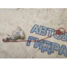 Активатор замка крышки бензобака Audi A8 2003 4E0810773A Отличное состояние