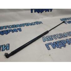 Амортизатор капота Nissan Terrano 3 654712943R.
